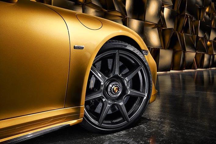 ポルシェ 911ターボSエクスクルーシブシリーズ用ブレイデッドカーボンホイール