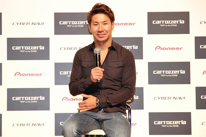 レーシングドライバーの小林可夢偉選手