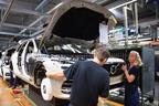 自動車組立ラインは金髪の北欧美女だらけ!ボルボ本社工場でXC90やV60の製造ラインを見学