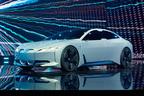 BMW、i8に続く新たなEVコンセプト「i Vision Dynamics」を世界初公開【フランクフルトショー2017】