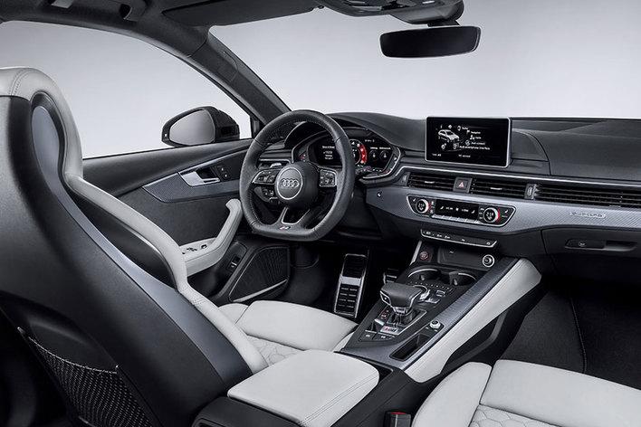 アウディ 新型RS 4 Avant(アバント)【フランクフルトショー2017】
