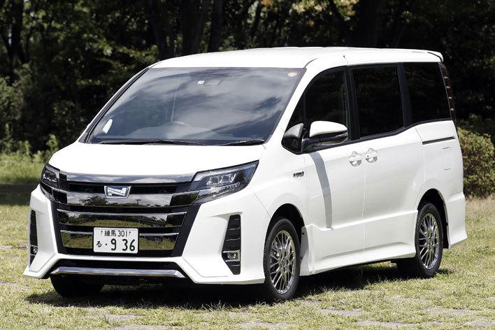 トヨタ 新型ノア ハイブリッド Si(2017年7月マイナーチェンジ)