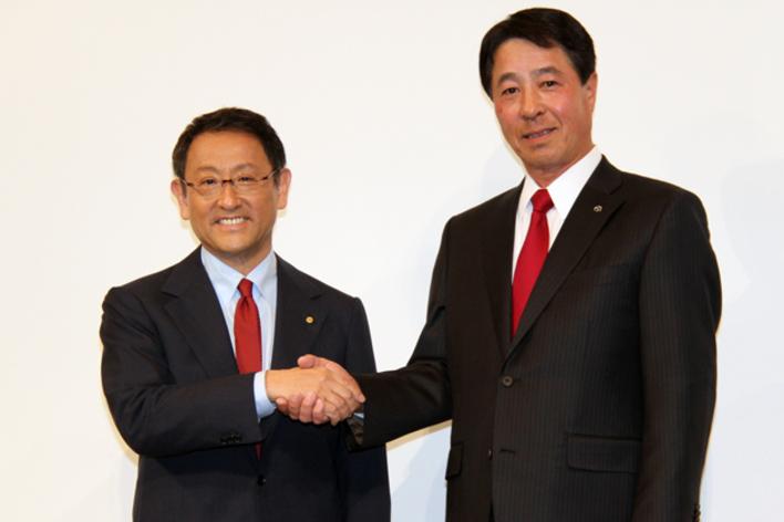 トヨタ 豊田章男社長とマツダ 小飼雅道社長