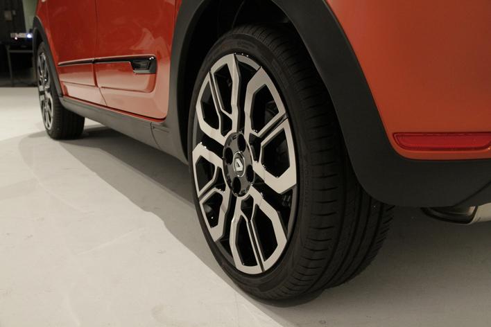 ルノー 新型トゥインゴ GT