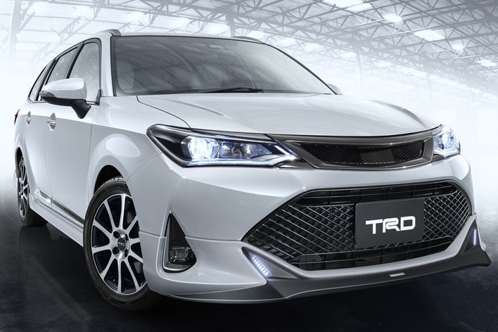 トヨタ カローラフィールダー(TRDパーツ)