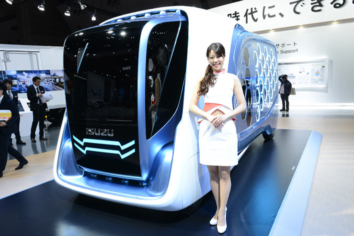これが未来の宅配車! いすゞ デザインコンセプトFD-SIを世界初披露!【東京モーターショー2017】
