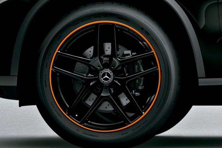 メルセデス・ベンツ GLE 350 d 4MATIC クーペスポーツオレンジアートエディション