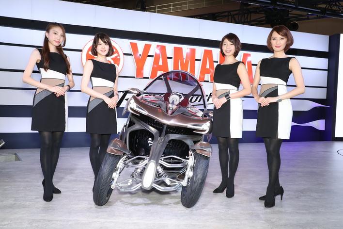 """【動画あり】ヤマハの女子が""""完璧過ぎる""""コーデで僕らを魅了する【東京モーターショー2017】"""