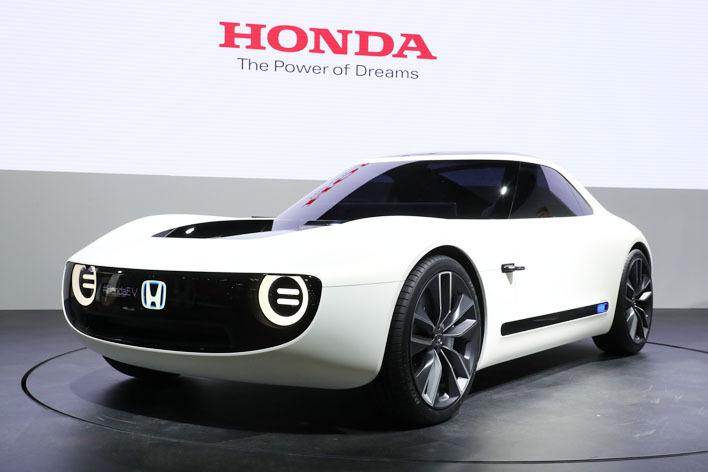 ホンダ、人工知能(AI)を搭載したEVコンセプトモデル「Honda Sports EV Concept」をワールドプレミア【東京モーターショー2017】