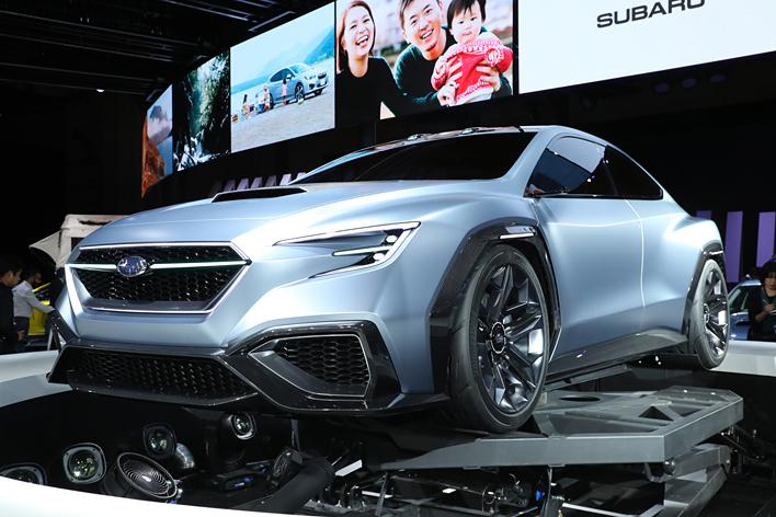 スバル 次期WRXはMT+アイサイトもありえる!?「SUBARU VIZIV PERFORMANCE CONCEPT」を世界初公開【東京モーターショー2017】