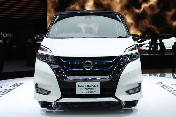 日産 新型セレナ e-POWER HighwaySTAR[ハイブリッドモデル/参考出品・2018年春発売予定] フロント正面