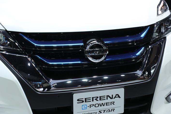 日産 新型セレナ e-POWER HighwaySTAR[ハイブリッドモデル/参考出品・2018年春発売予定] 専用フロントグリル