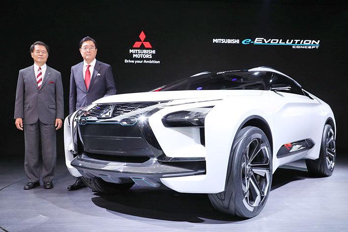 三菱、e-EVOLUTION CONCEPTをワールドプレミア|AIを搭載したクロスオーバーSUVタイプの新世代ハイパフォーマンスEV【東京モーターショー2017】
