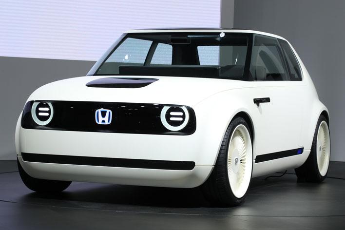 まるで初代シビック! ホンダ アーバン EV コンセプトがキュート過ぎる!【東京モーターショー2017】