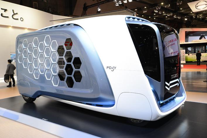 いすゞ、三菱ふそうはコンセプトカーを展示!日野は「もっと、はたらくトラック・バス」をテーマに【東京モーターショー2017】