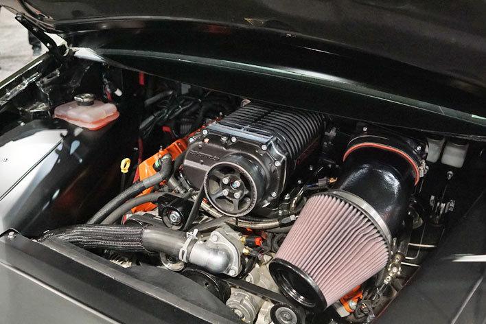 """ダッジ製V型8気筒4.5リッター+スーパーチャージャーを積んだ""""エコカー""""トヨタ プリウス(2代目モデル)【SEMAショー2017】"""