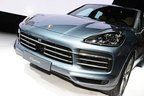ポルシェブースには人気SUVのニューモデル、新型カイエンなどを展示【東京モーターショー2017】