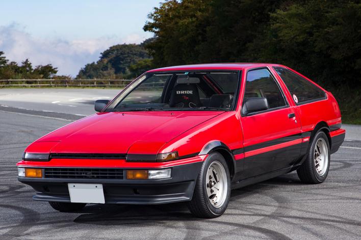 トヨタ スプリンタートレノ(AE86) タイヤサイズ:185/60R14 82H
