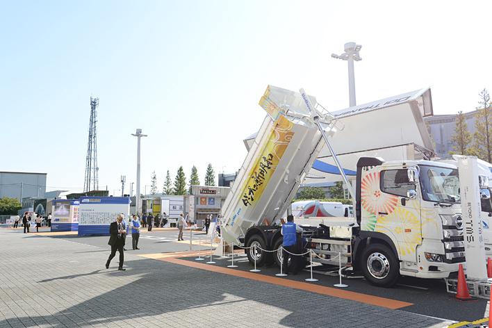 東1ホール屋外にて、一般社団法人日本自動車車体工業会のブースが出展されている