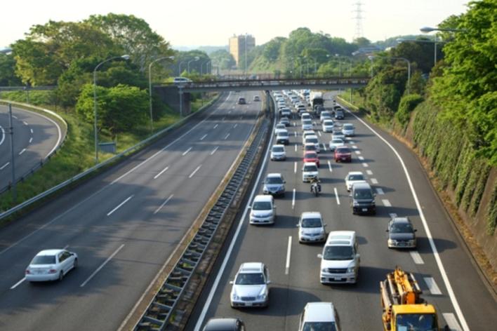 写真は渋滞イメージです