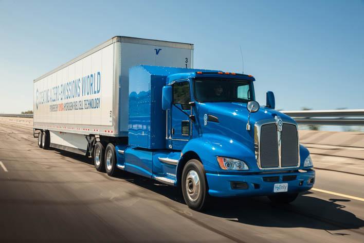 ロサンゼルス港で実証実験に使われるFC大型商用トラック