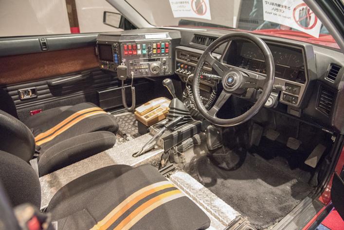 """[西部警察]DR30型 日産 スカイラインRSターボ """"RS-2"""" オーソドックスなレイアウトに高性能コンピューター、特殊無線機、距離測定機、ISAレーダー、センサーを装備している。"""