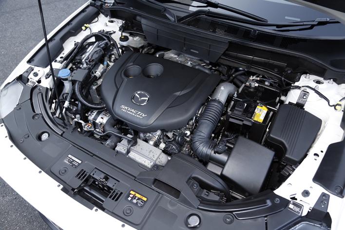 マツダ 新型CX-8 XD L Package 2.2リッター水冷直列4気筒DOHC 16バルブ直噴ターボエンジン