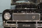 ボルボ、トヨタ博物館で世界初の3点式シートベルト装着車「PV544」の寄贈式典を実施