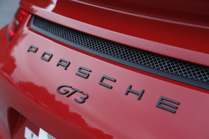 希少車・旧車・クラシックカーと大衆車の売り方の違い