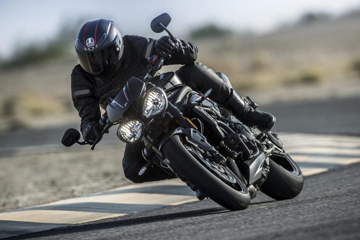 新型トライアンフスピードトリプル(Triumph Speed Triple RS)
