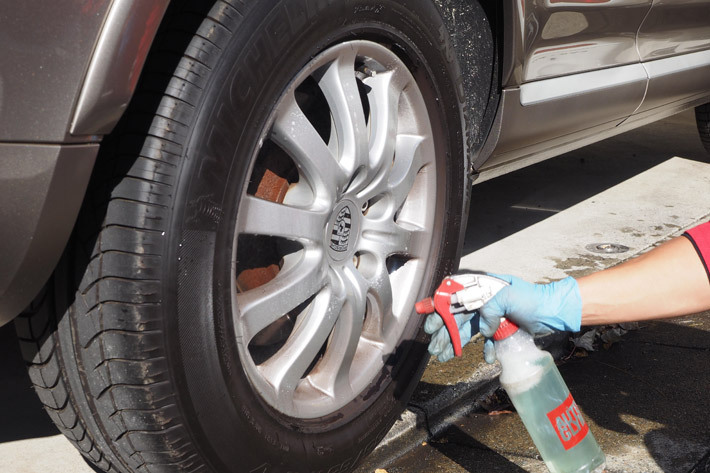 タイヤやホイールの洗浄