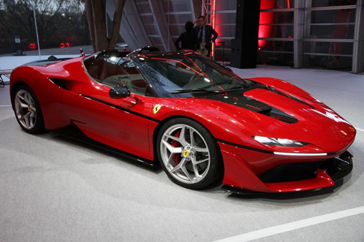 488スパイダーがべースのフェラーリ J50