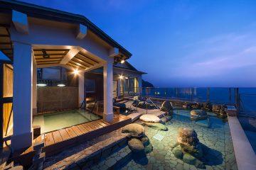 漁港に近い岬ならではの贅を尽くした料理、大パノラマ露天風呂