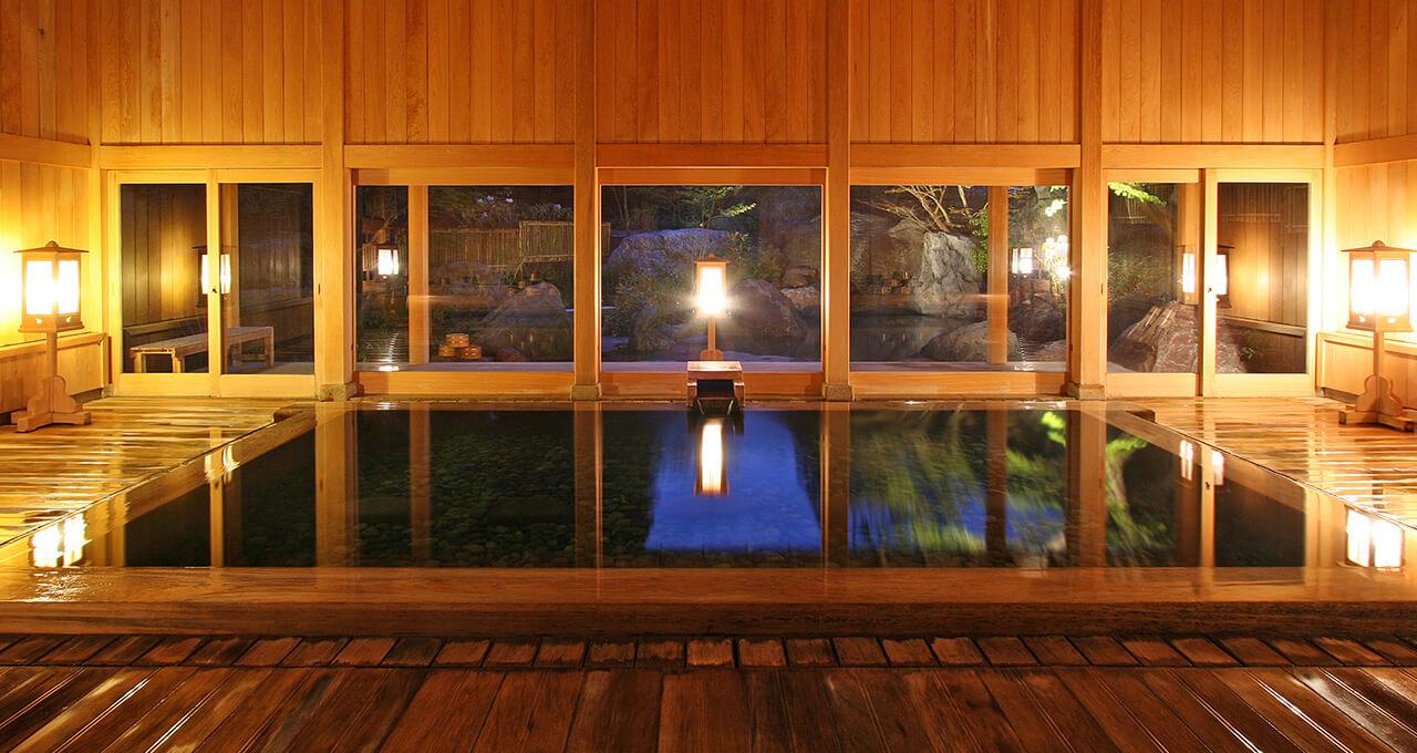 国登録有形文化財の木造建築が 情緒を醸す秘湯宿