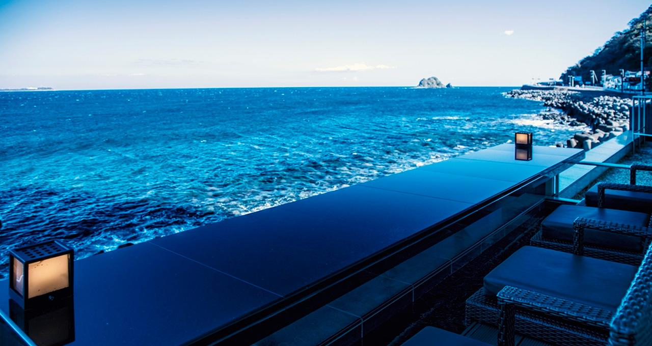 海までゼロメートル。相模灘を五感で味わえる究極のロケーション