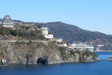 MOTAおすすめ 愛車でめぐる熱海の温泉地ガイドと 露天風呂付き高級旅館
