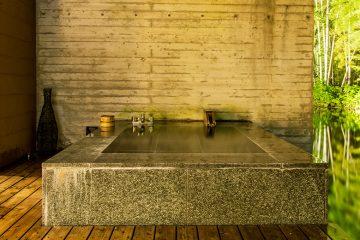 箱根の大自然に身を委ね、2人だけの時間を心ゆくまで